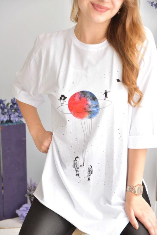 2622 Yanları Yırtmaçlı Baskılı Tshirt resmi