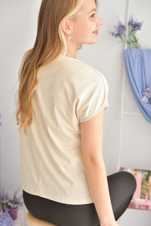 8751 Küpe Detaylı Tshirt resmi